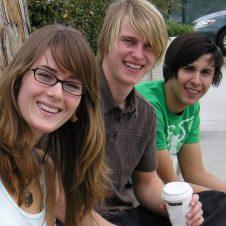 Drei Jugendliche beim FSJ